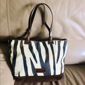 Authentic Dooney And Bourke Purse!! Size- large